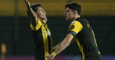 Colo Colo cae ante Peñarol y se complica en la Copa Libertadores